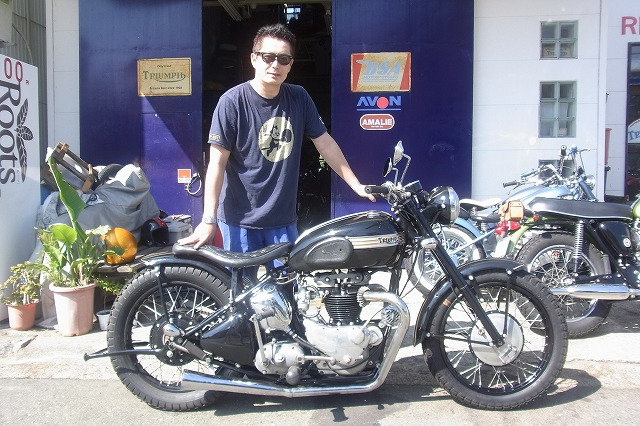 ★1951 Triumph Blackbird Bobber